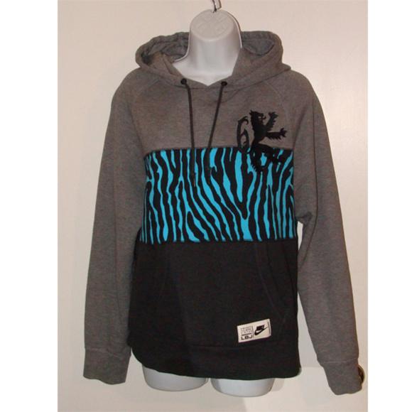 Nike Lebron James Sweatshirt hoodie aprox M women 61bf6e8201